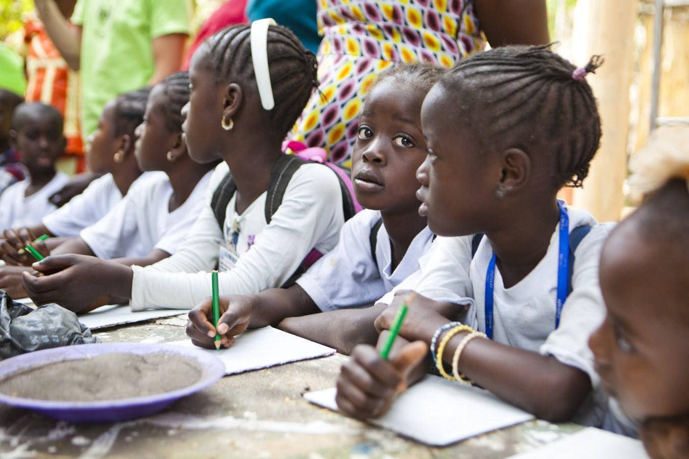 Izlet v Art Village z otroki iz vrtca Mo Beta Gambija
